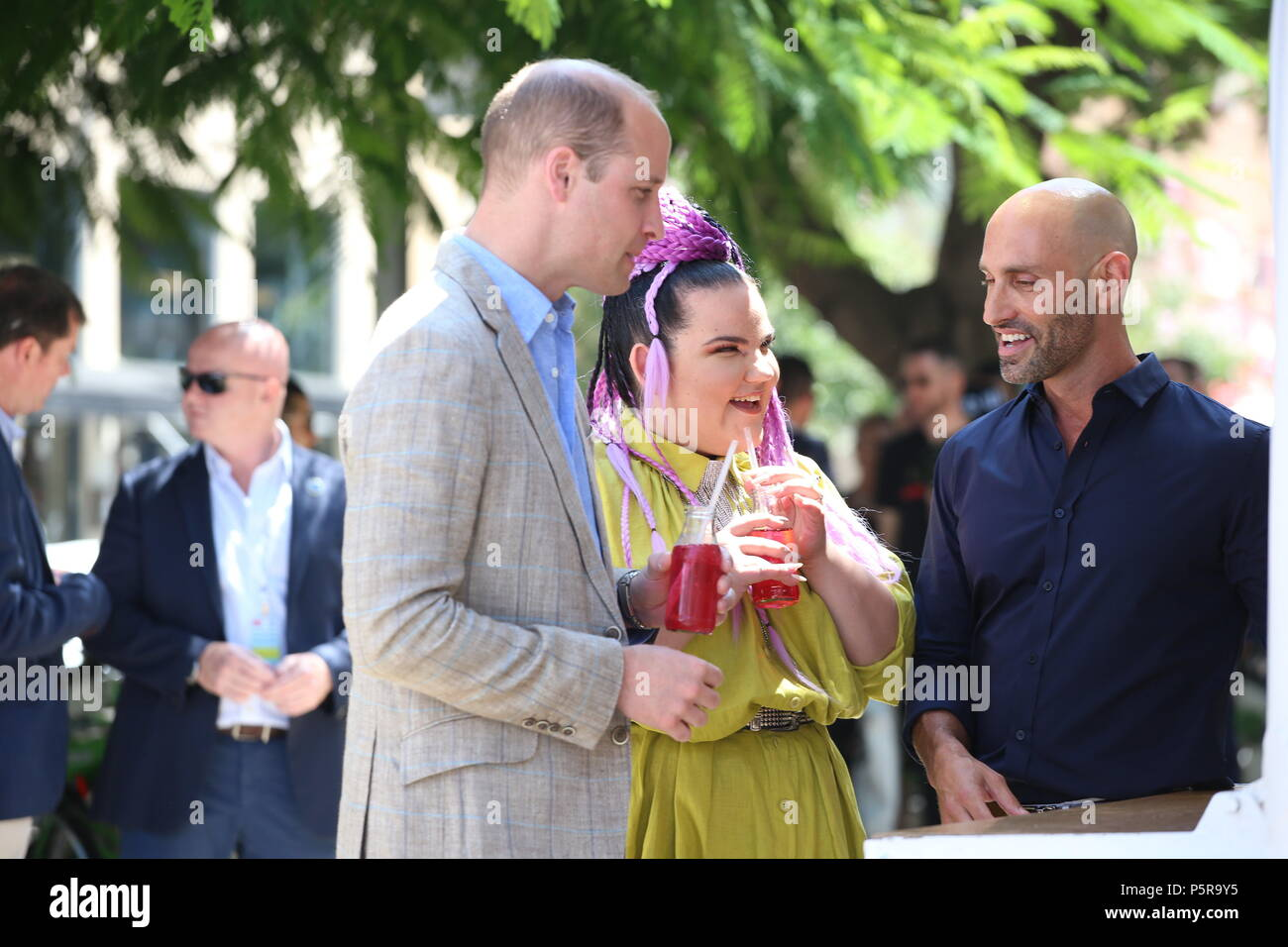 The Duke of Cambridge meets singer Netta Barzilai, who won the 2018 Eurovision Song Contest, at the Espresso Bar Kiosk at Rothschild Boulevard in Tel Aviv, Israel, during his official tour of the Middle East. (Photo by Chris Jackson/Getty Images). - Stock Image
