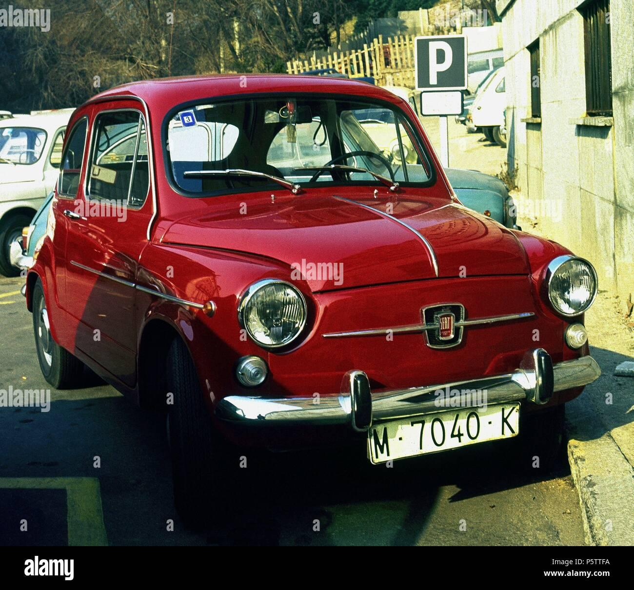 Rojo Seat 600