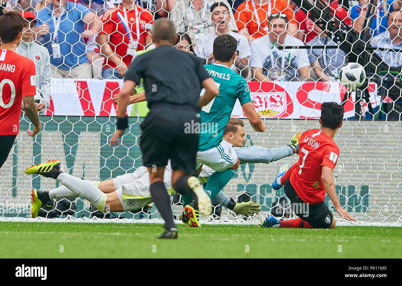 Germany - South Korea, Soccer, Kazan, June 27, 2018 Manuel NEUER, DFB 1  goalkeeper, fights for the ball, Heungmin SON, Korean Republic Nr. 7 catches,  catch, ...
