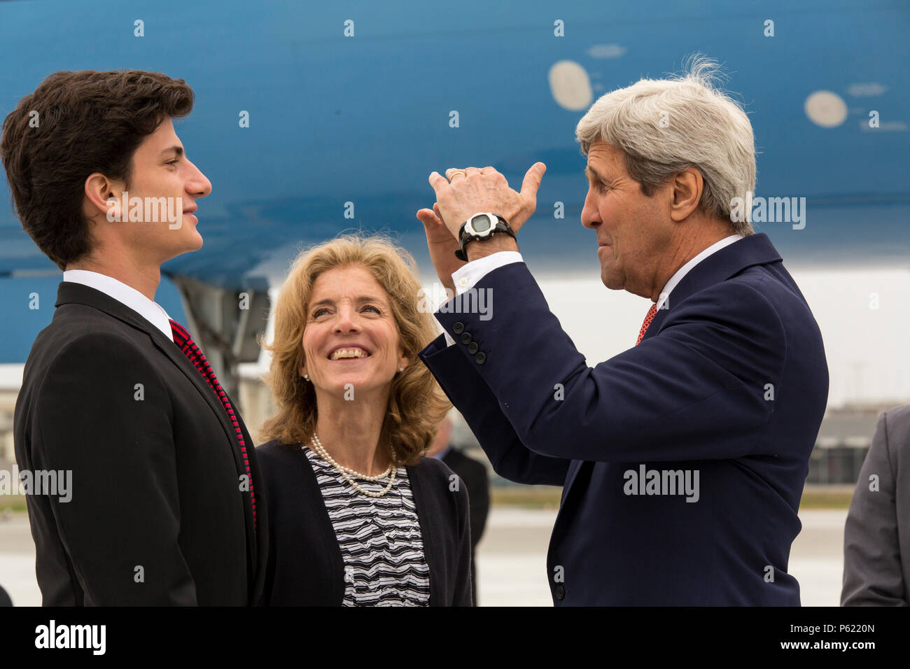 Caroline kennedy hiroshima jack schlossberg japan john kerry stock john f kerry the us secretary of state speaks to jack schlossberg altavistaventures Images