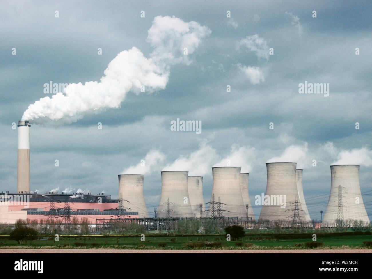Coal fired power station on the Trent river at Cottam,  Nottinghamshire, UK - Stock Image