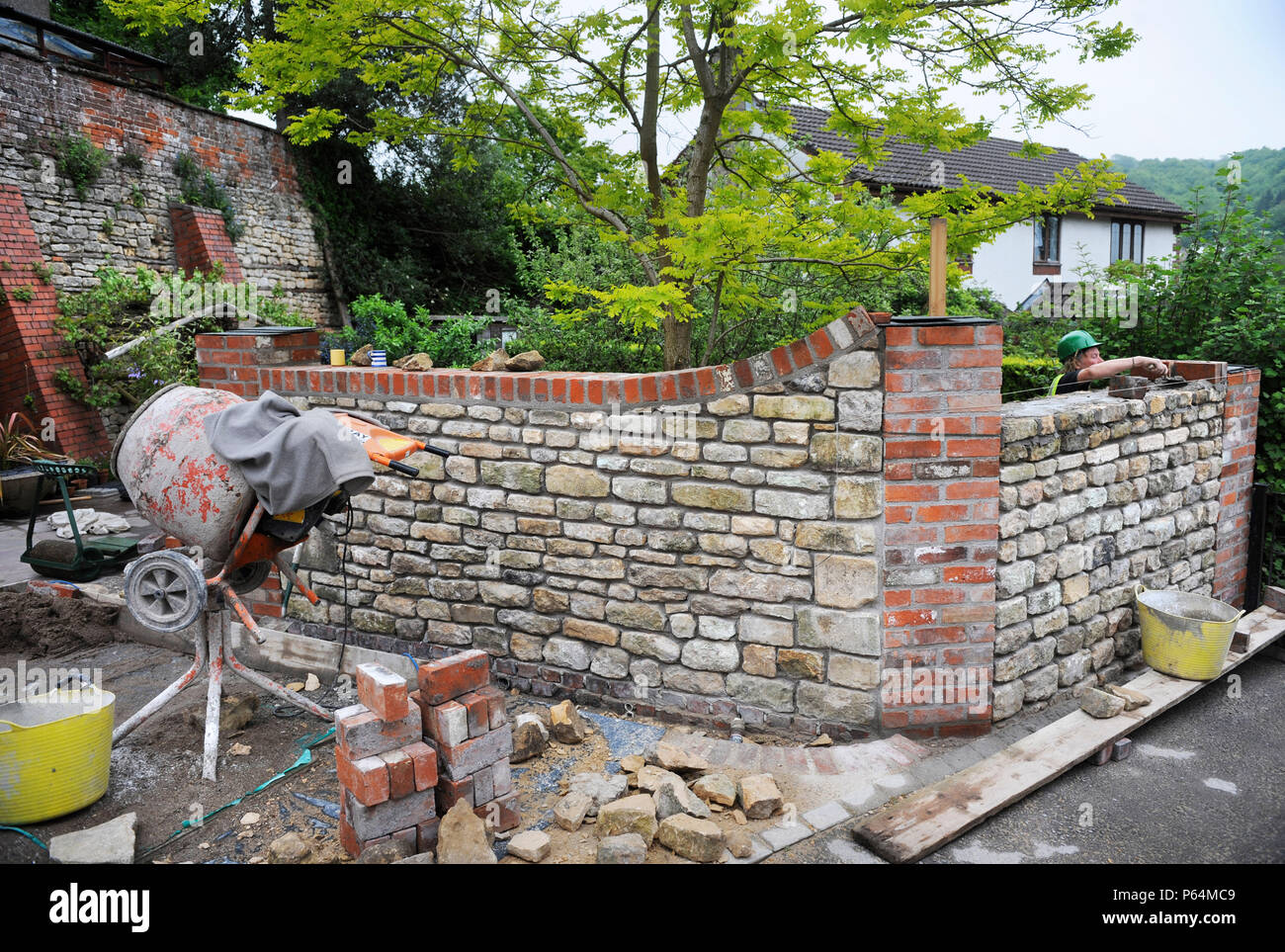 Amazing Building A Garden Wall With Cotswold Stone And Cement Mortar With Reclaimed  Red Brick Pillars And Coping UK