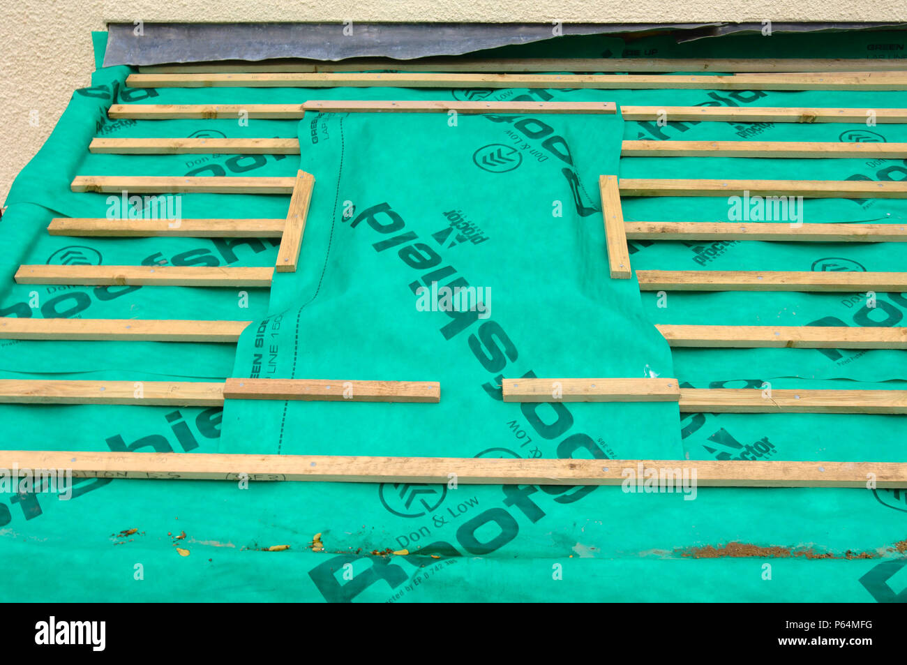 Roofing Felt Stock Photos & Roofing Felt Stock Images - Alamy