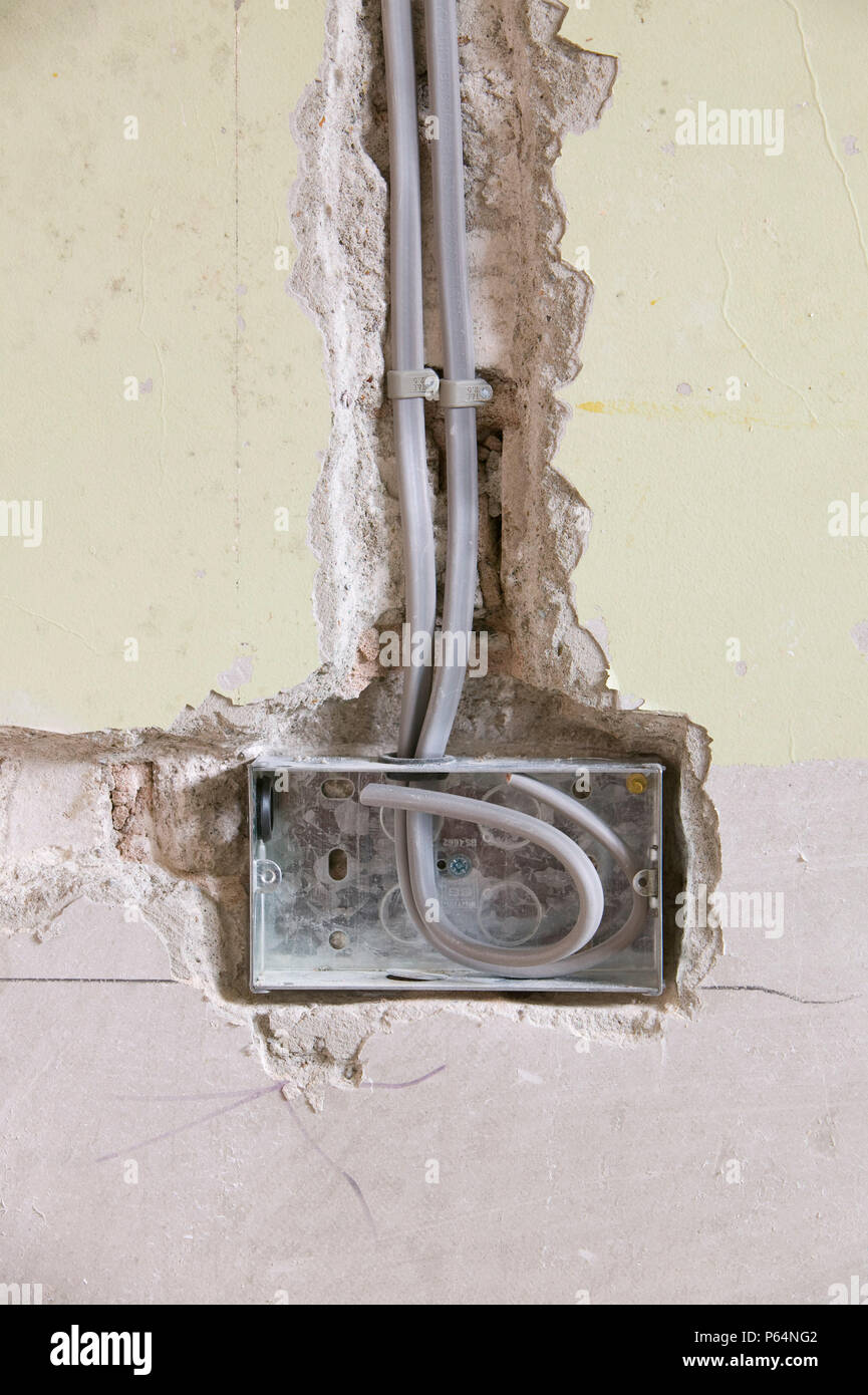 Uk House Plug Wiring Wire Center New Adjustable Circuit Board Holder Zd11e A Socket Into Wall Stock Photo 210317074 Alamy Rh Com