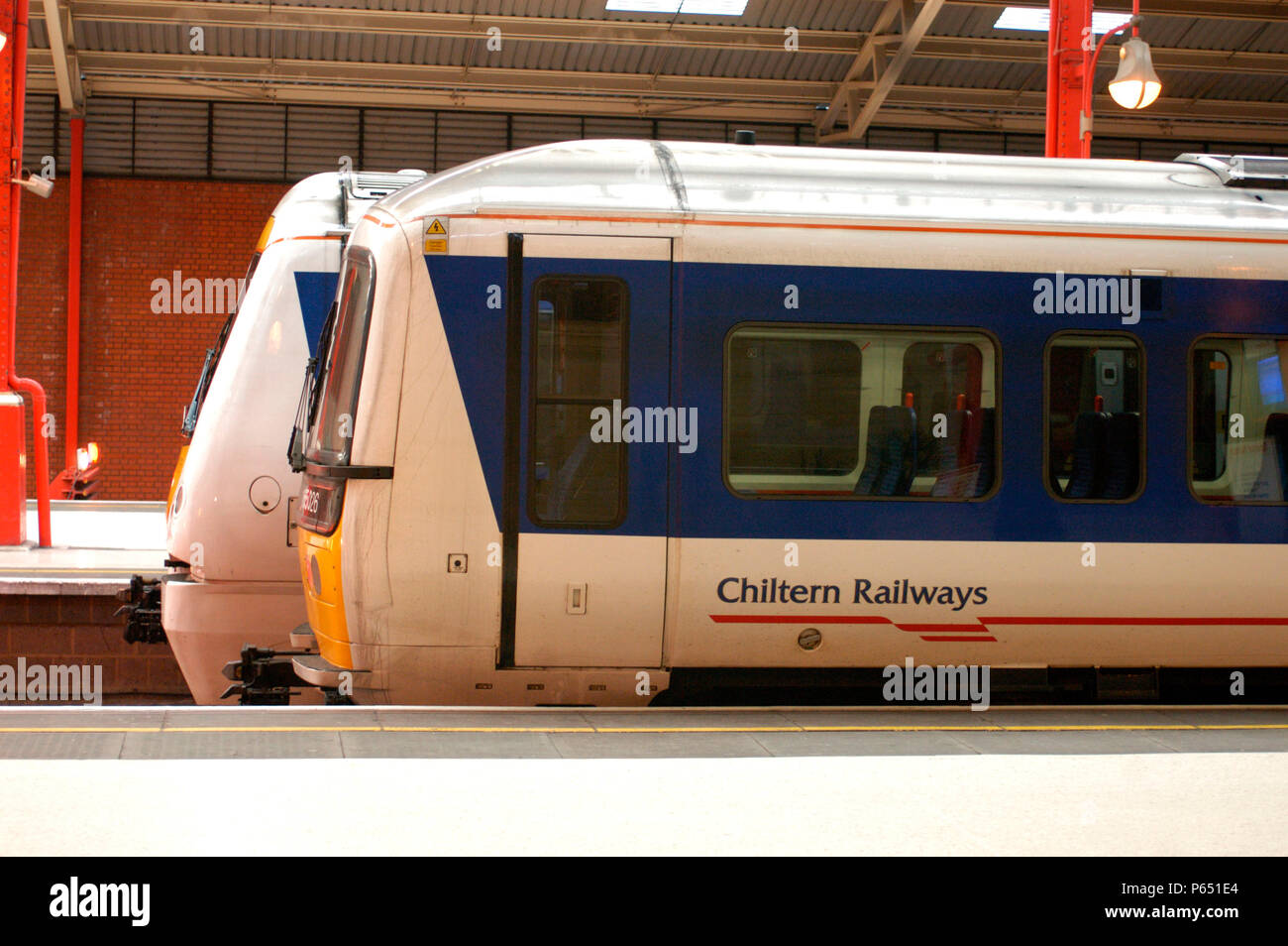 A pair of Chiltern Trains Turbo diesel DMUs stand at Marylebone buffers after arrival. February 2005. - Stock Image
