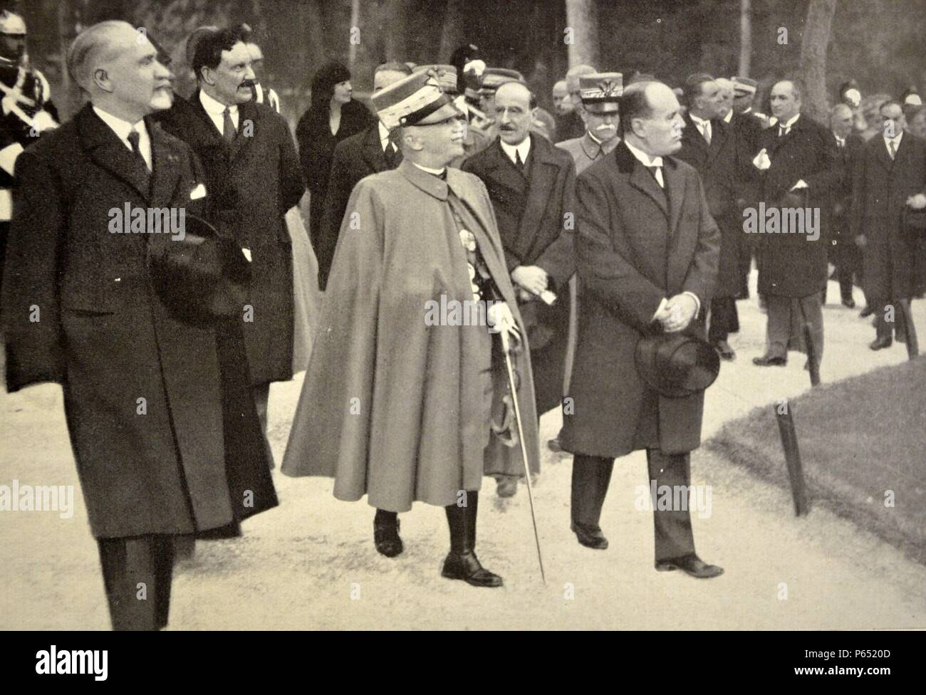 Vittorio Emanuele III, King of Italy. Mussolini attend the inauguration of the monument to Umberto I Stock Photo