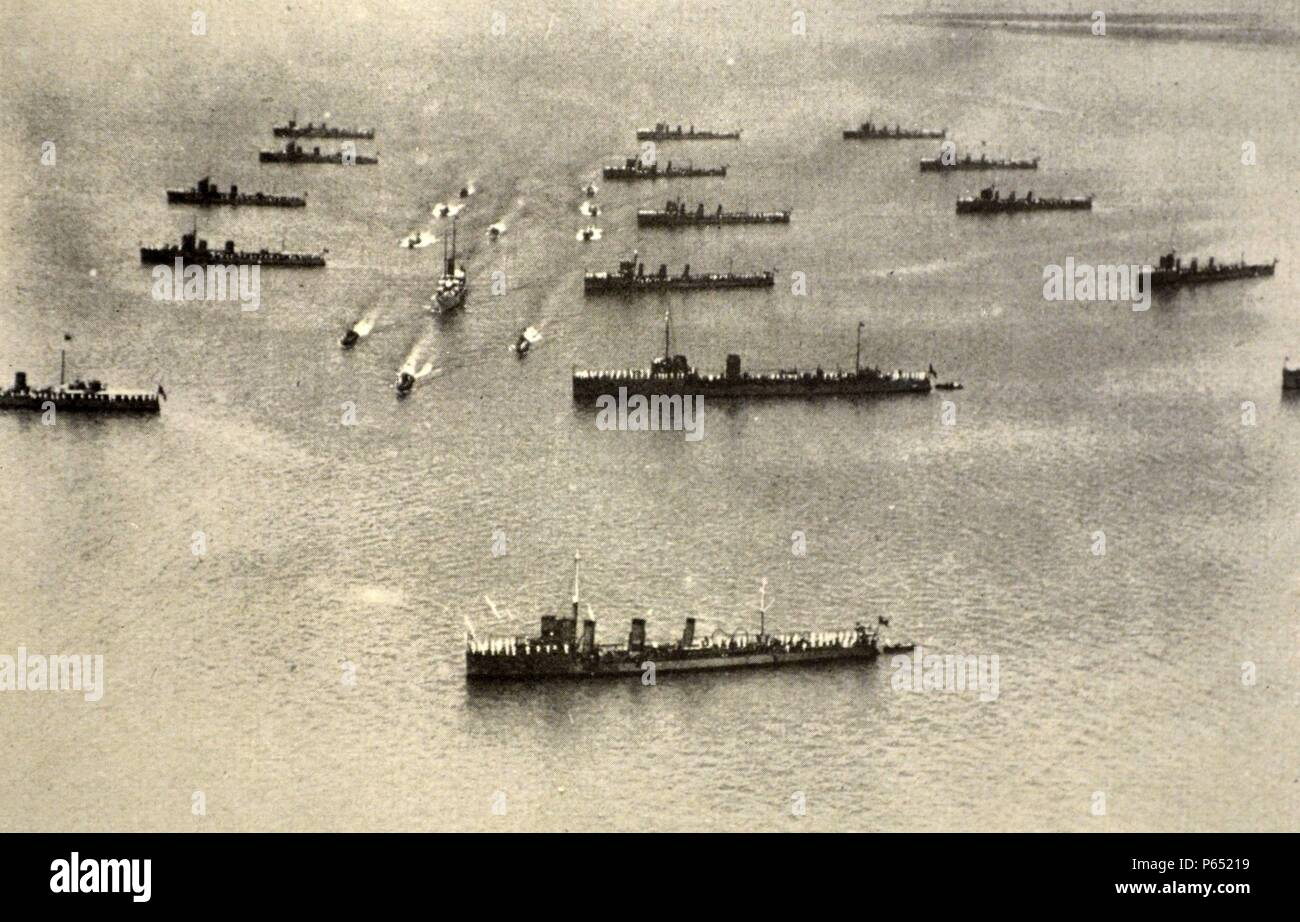 Italian naval exercises in formation 1930 Stock Photo