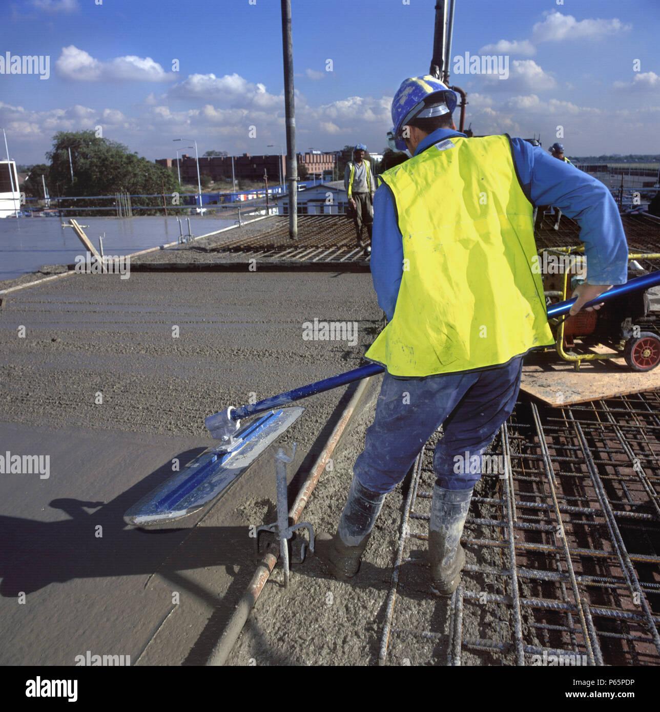 Screeding in situ reinforced concrete slab Stock Photo: 210339746 - Alamy