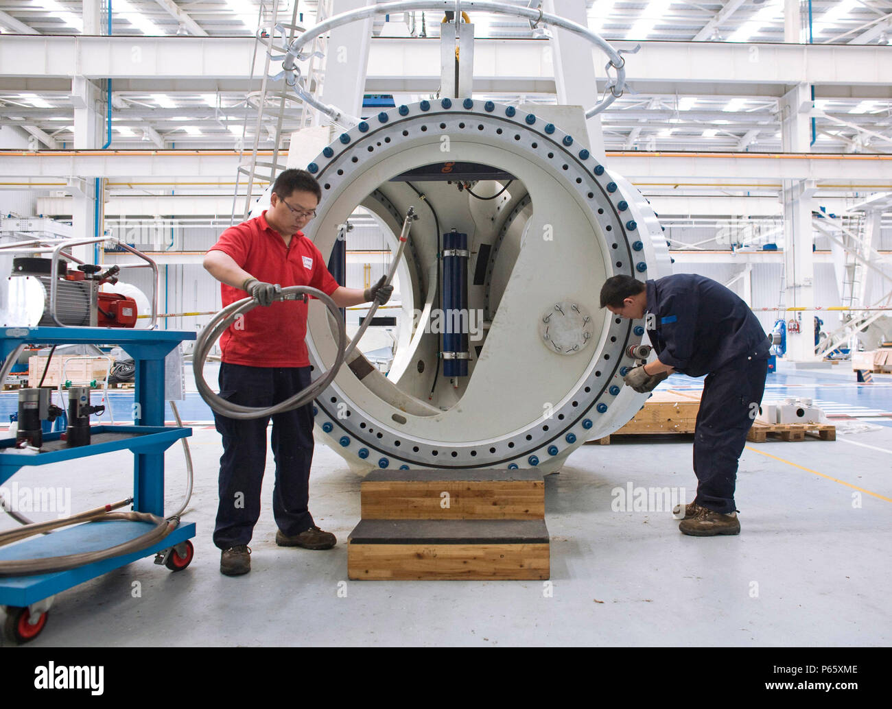 Wind turbine manufacturing, Nantong, Jiangsu, China Stock Photo - Alamy