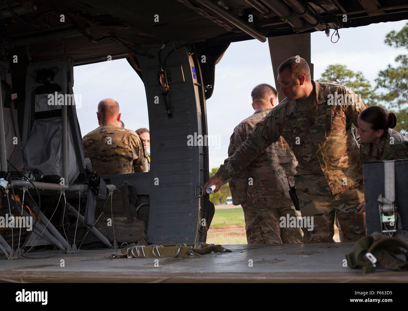 U S  Army paratroopers from the United States Army Special
