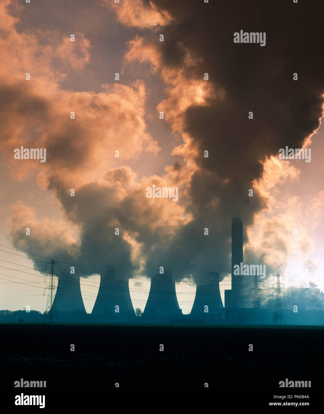 Cottam coal-fired power station, Nottinghamshire. Owned by London Power Co - Stock Image