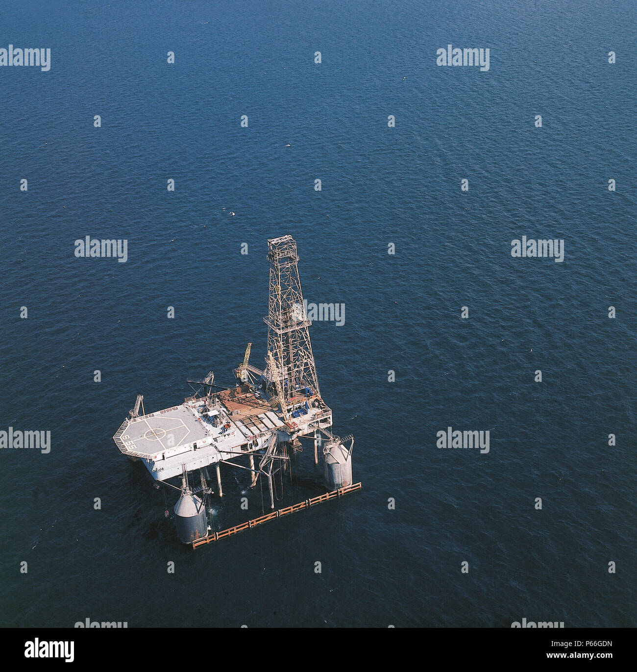 Norwegian Sea Oil Rig Stock Photos & Norwegian Sea Oil Rig