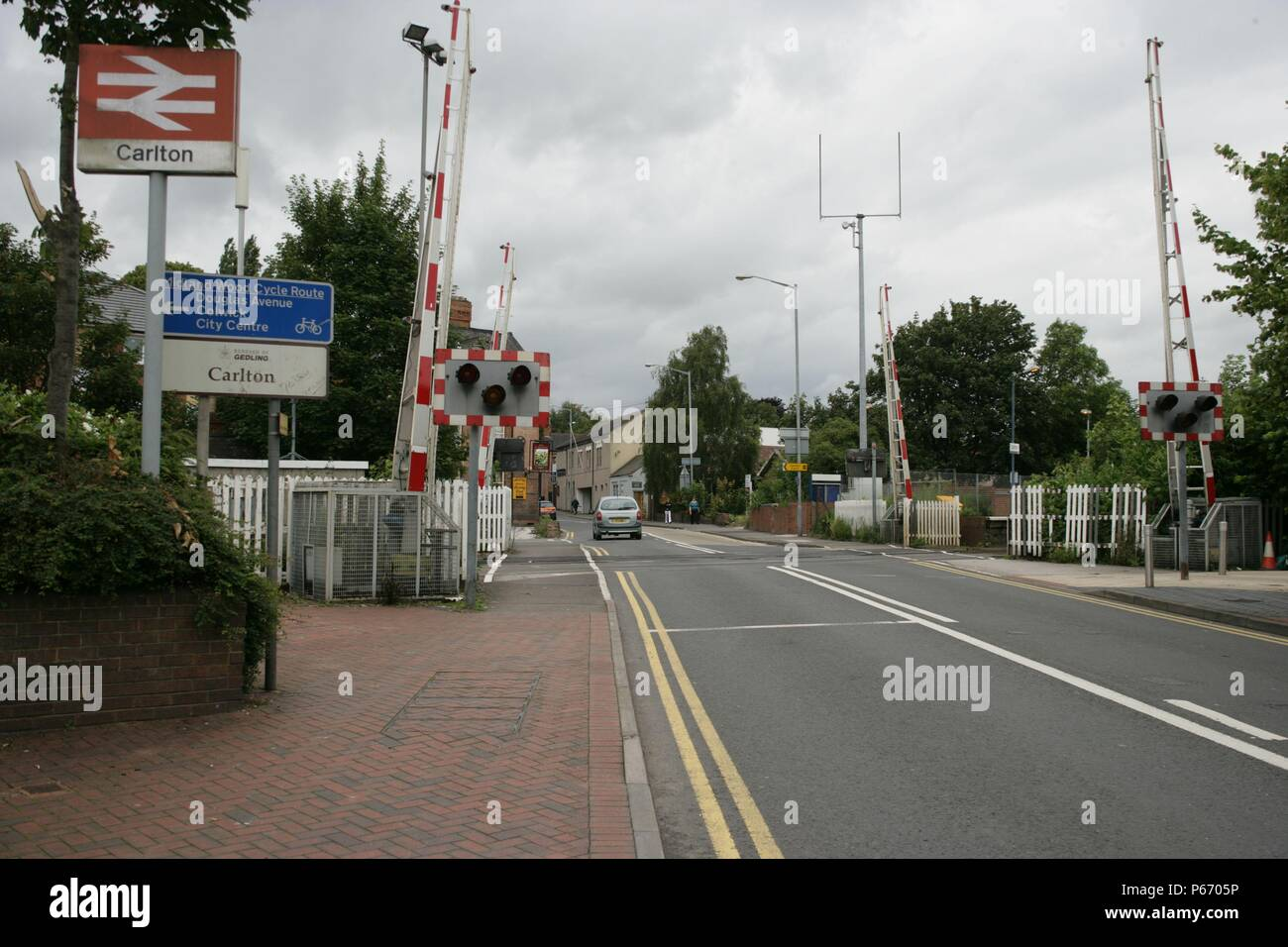 Station entrance and level crossing at Carlton station, Nottinghamshire. 2007 - Stock Image