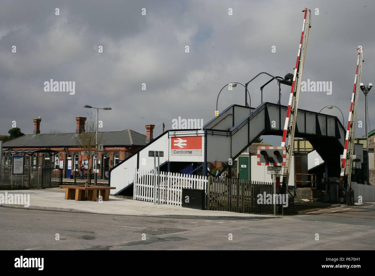 The level crossing and footbridge at Cambourne station, Cornwall. 2006 - Stock Image