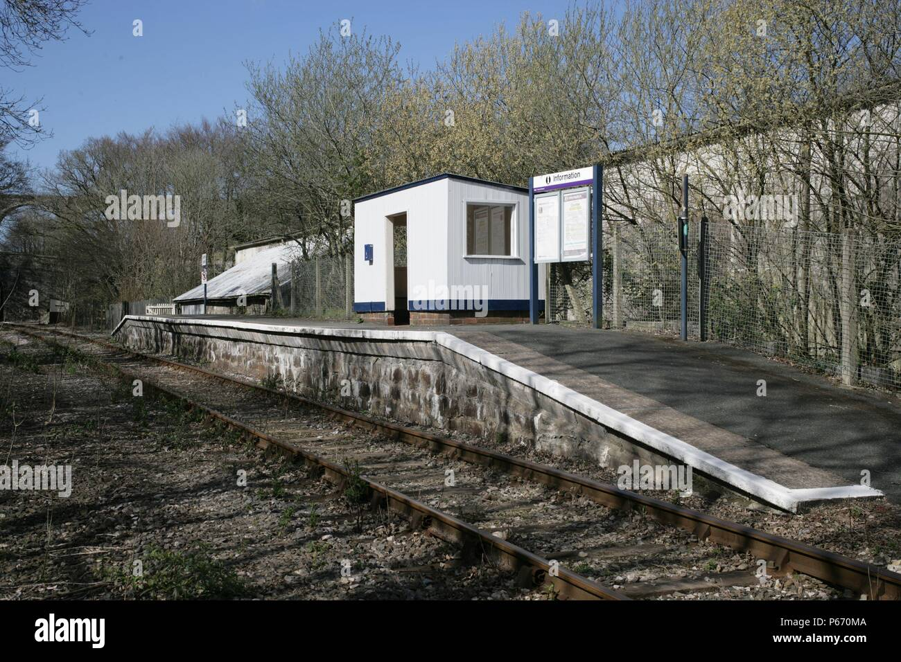 The platform, waiting shelter and traveller information board at Coobe on the Liskeard to Looe branch line, Cornwall. 2006 - Stock Image