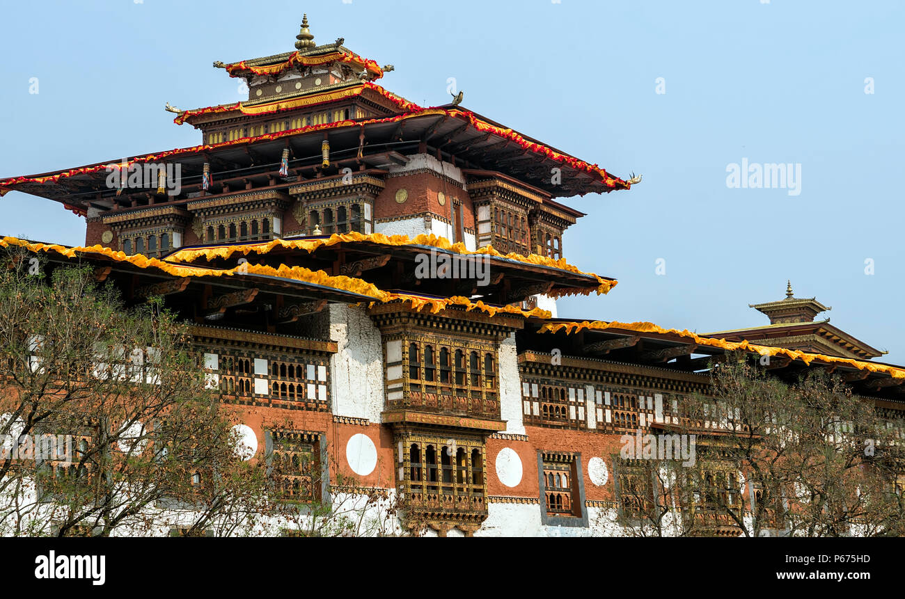 The architecture of Punakha Dzong, Bhutan - Punakha Dzong or Pungthang Dewachen Phodrang (Palace of Great Happiness) in Punakha, the old capital of Bh - Stock Image