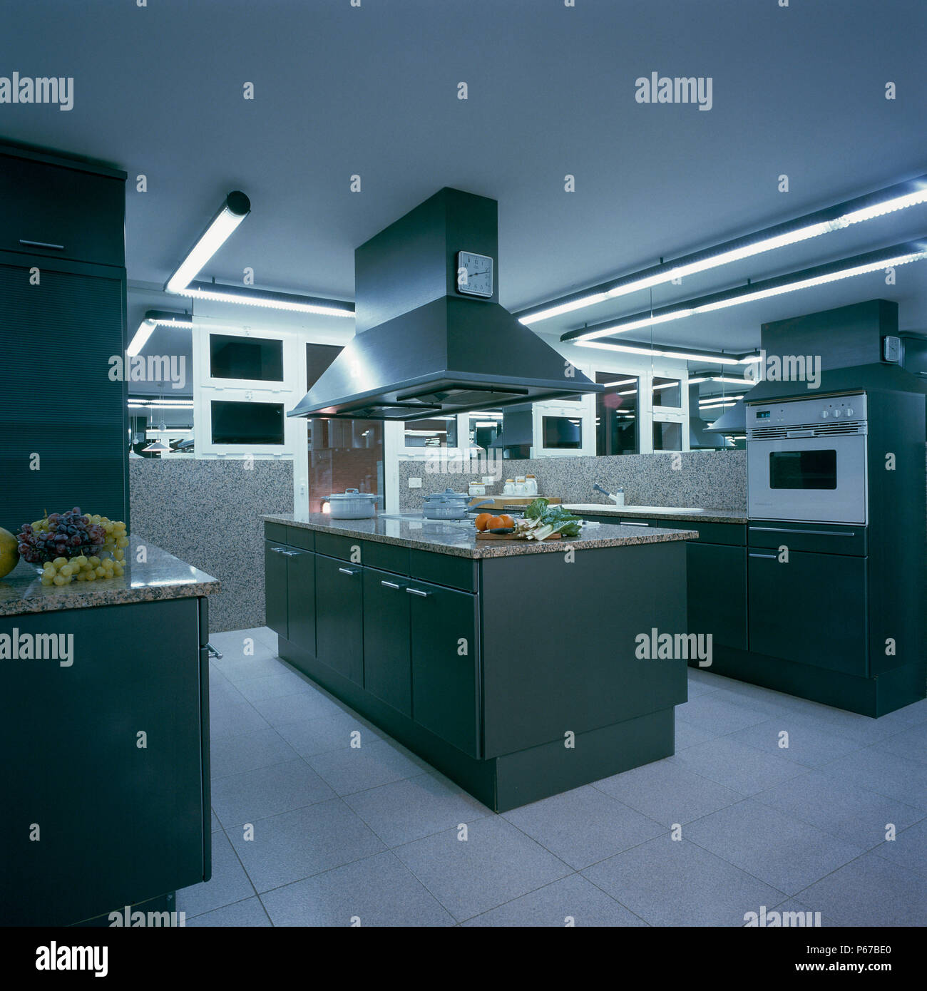 Modular Kitchen Stock Photos & Modular Kitchen Stock Images - Alamy