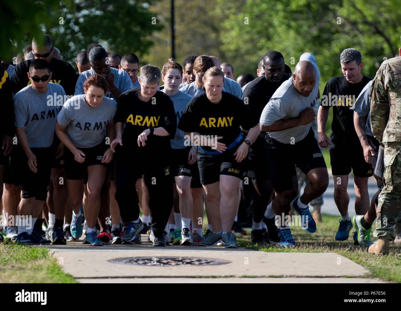 Army Physical Fitness Test Stock Photos & Army Physical