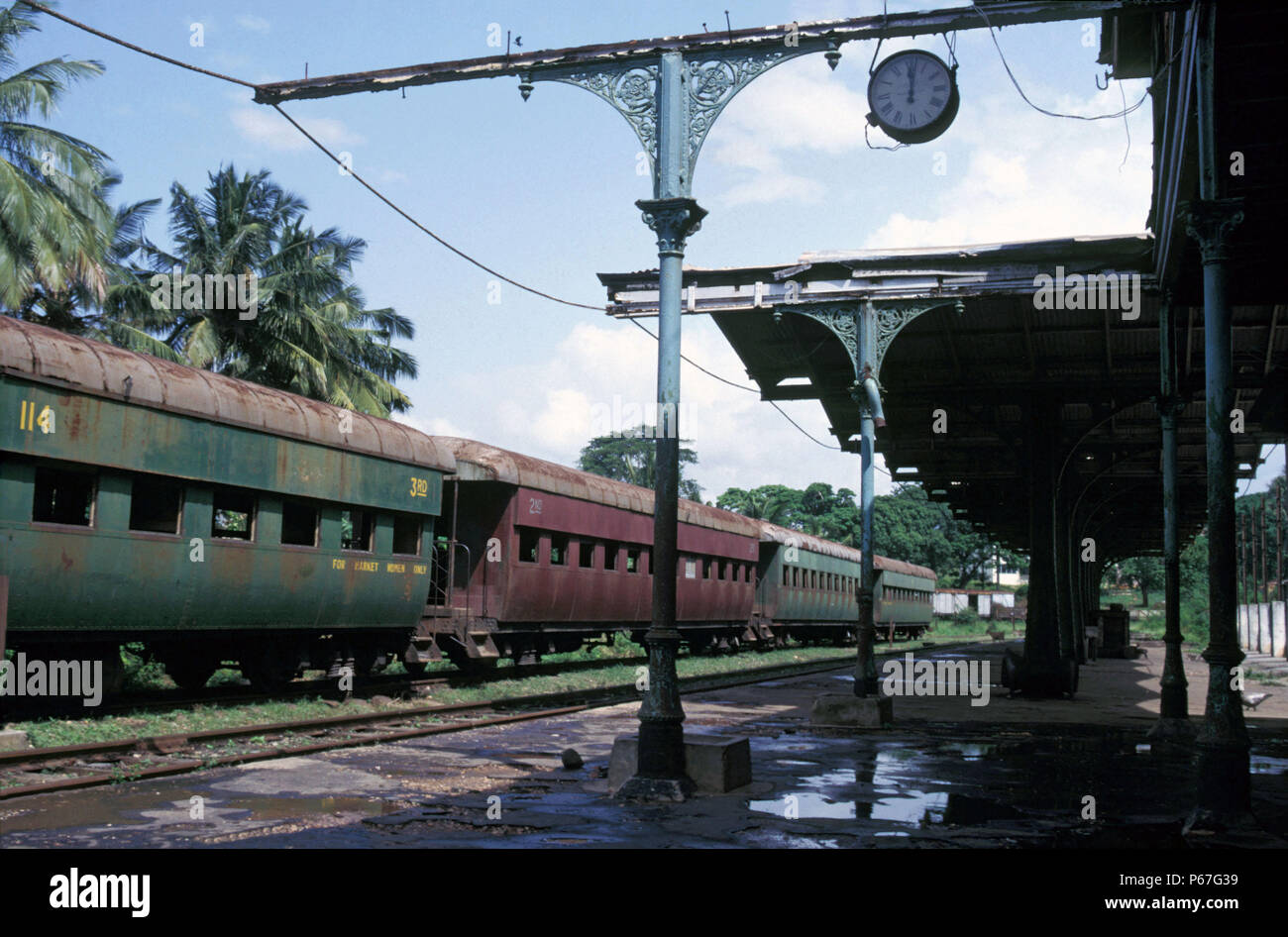 Ghana Railway's Second Station in all its colonial magnificence complete with clock from Gents of Leicester. Tuesday 4 June 1985. - Stock Image