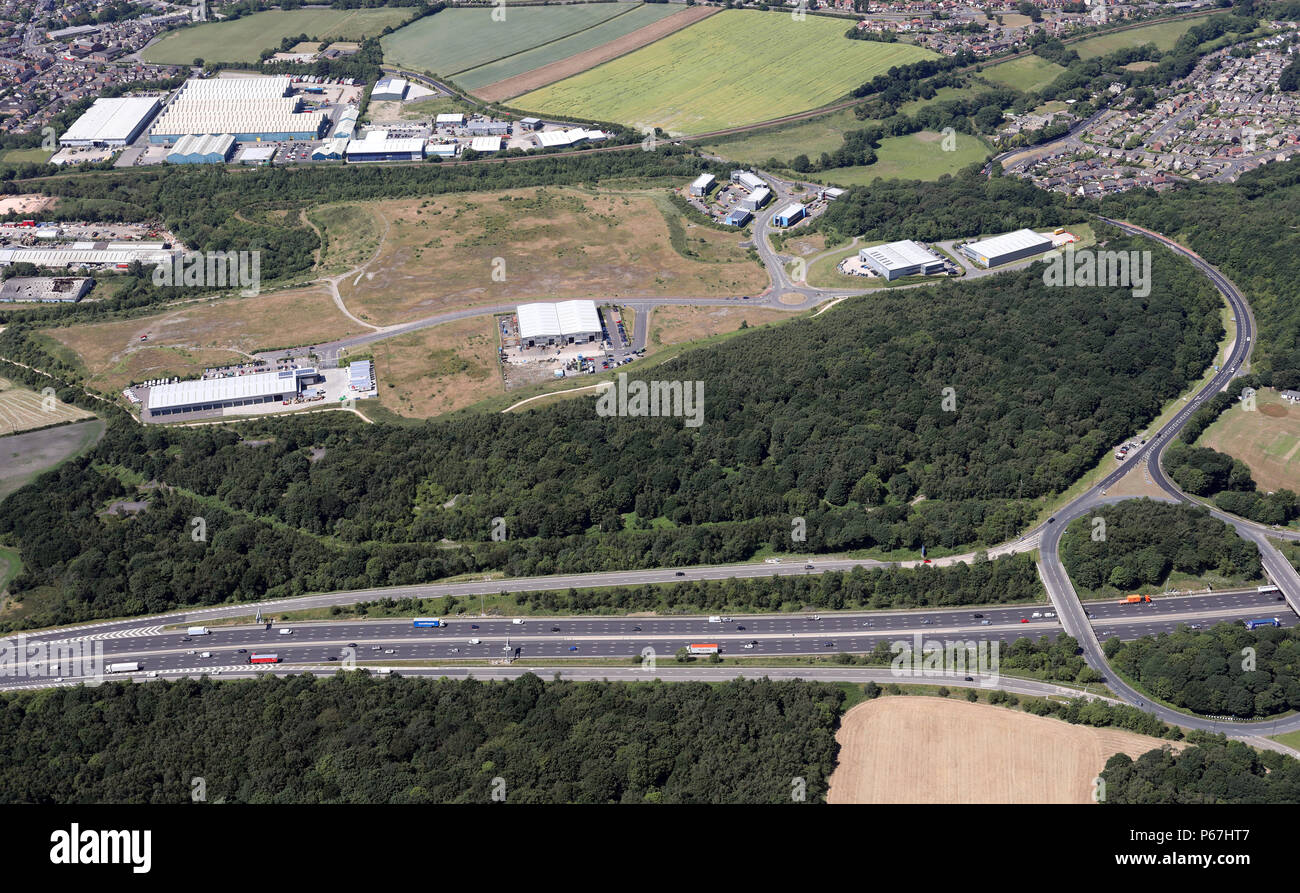 aerial view of Smithy Wood Drive area of north Sheffield at J36 of the M1 motorway - Stock Image