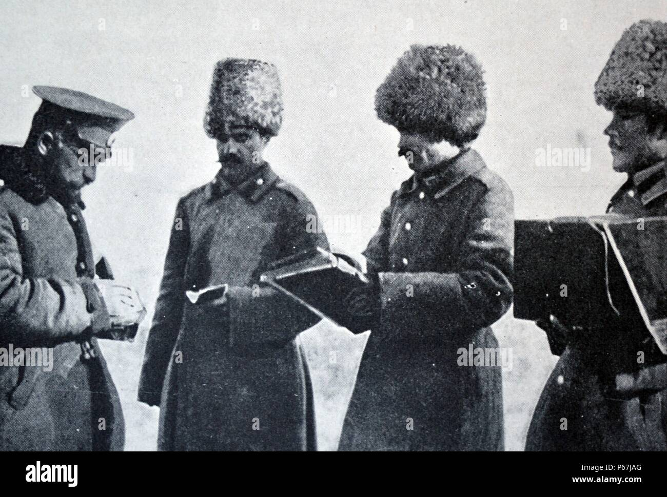 Russian army paymaster distributes wages during world war one 1915 - Stock Image