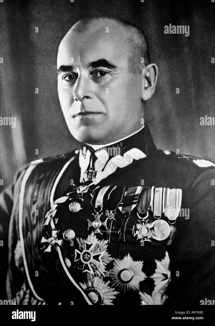 Photograph of Edward Rydz-Smigly (1886-1941) Marshal of Poland, politician, Commander-in-Chief of Poland's armed forces, and a painter and poet. Dated 1937 Stock Photo