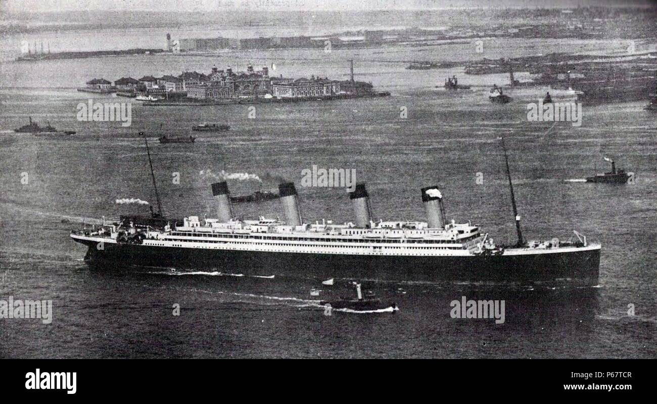 Photograph of the RMS Olympic, sister ship to the Titanic, arriving in New York after her maiden voyage. Dated 1911 Stock Photo