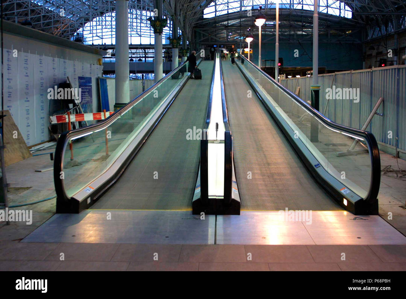 The travelator at Manchester Piccadilly station shortly after being built. 2003. - Stock Image