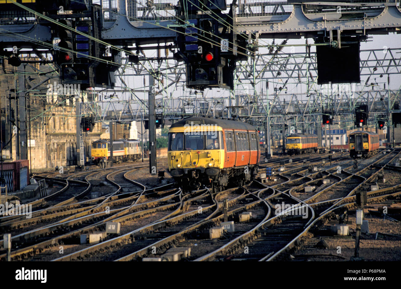 Throat of Glasgow Central station looking south with Strathclyde Passenger Transport services in the picture. C 1993 - Stock Image