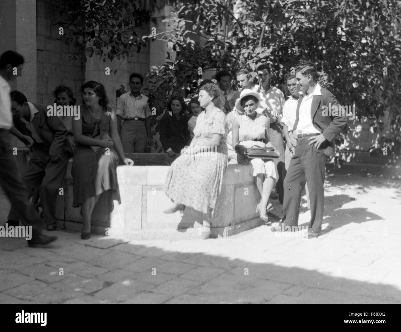 Photograph of Zionist activities in Palestine a co-educational group at the Hebrew University in Jerusalem. Dated 1930 - Stock Image
