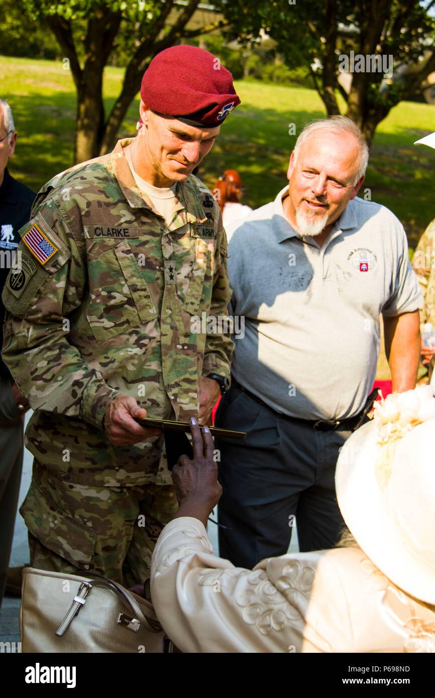 Maj  Gen  Richard Clarke, 82nd Airborne Division commanding general