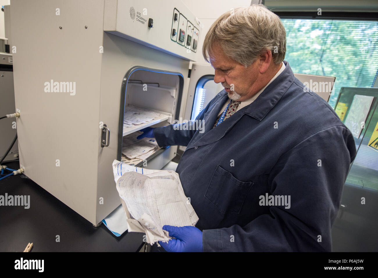 EMBARGOED UNTIL 1:00 PM EASTERN, JULY 20, 2016. U.S. Department of Homeland Security and Immigration and Customs Enforcement (ICE) unveil a major renovation of the ICE Homeland Security Investigations (HSI) Forensic Laboratory in Tyson's Corner, VA - Stock Image