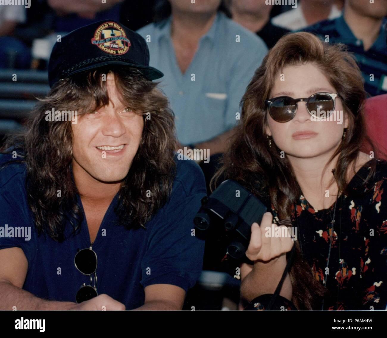 eddie van halen amp wife valerie bertinelli 1992 photo by