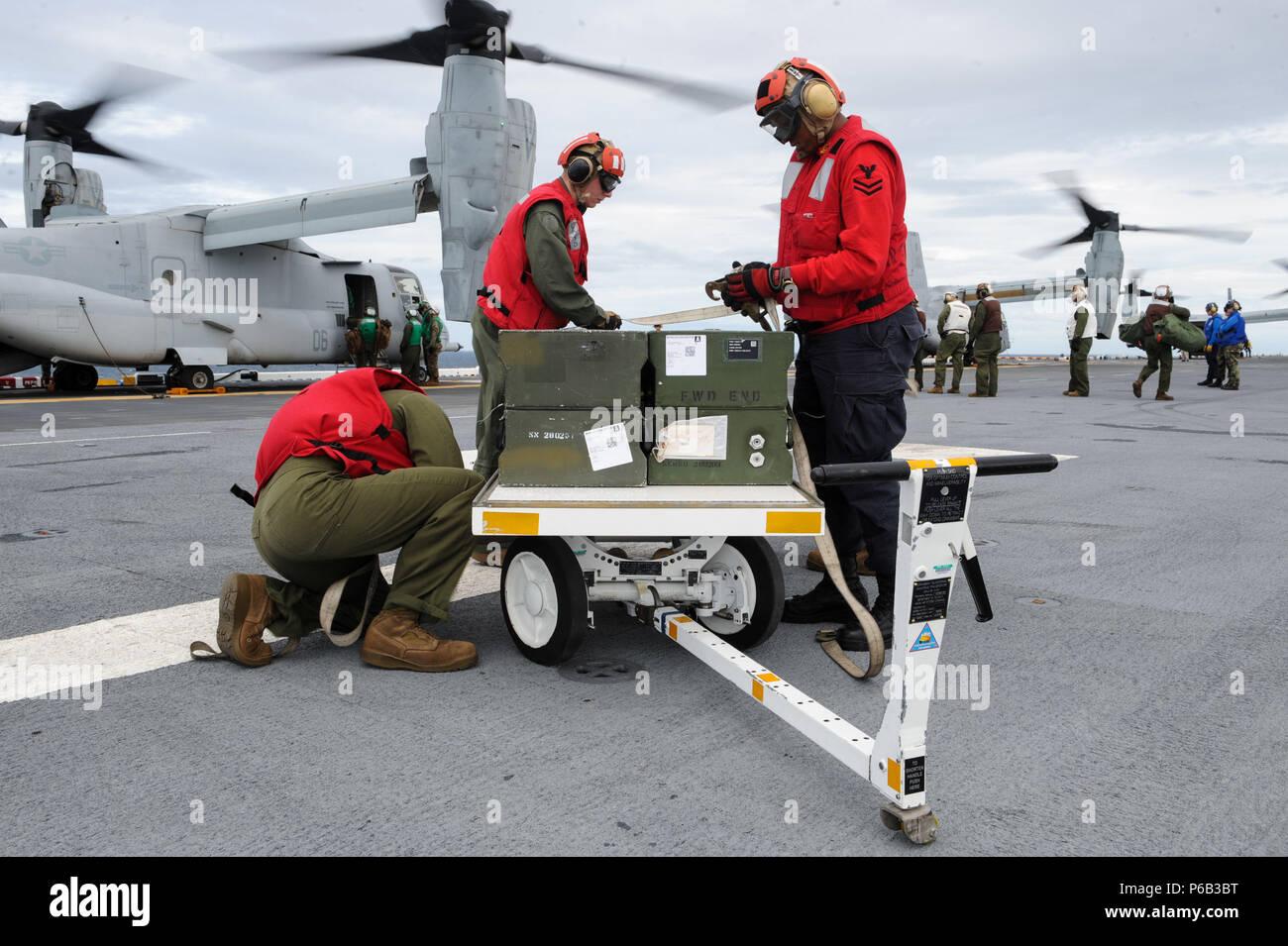 amphibious squadron 8 stock photos  u0026 amphibious squadron 8
