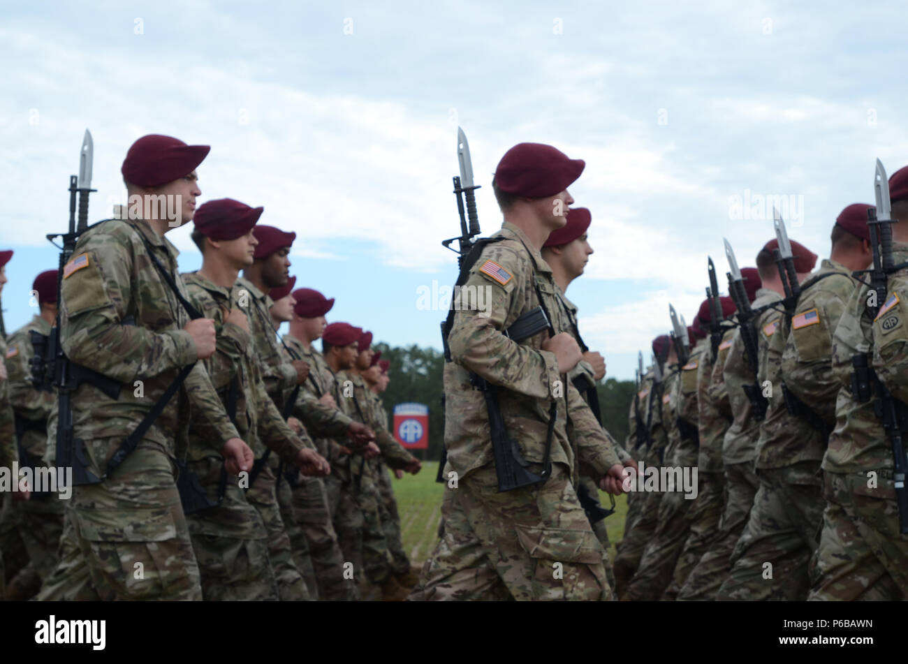 u s army paratroopers assigned to 82nd airborne division artillery
