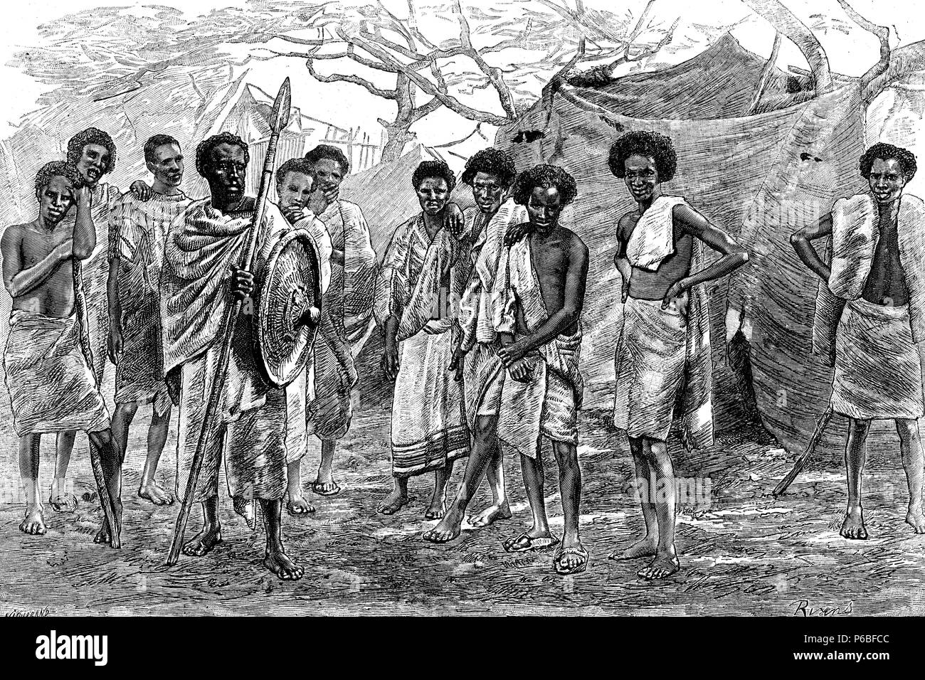 África. Abisinia. Grupo de hombres y guerreros Danakils. Grabado de 1892. - Stock Image