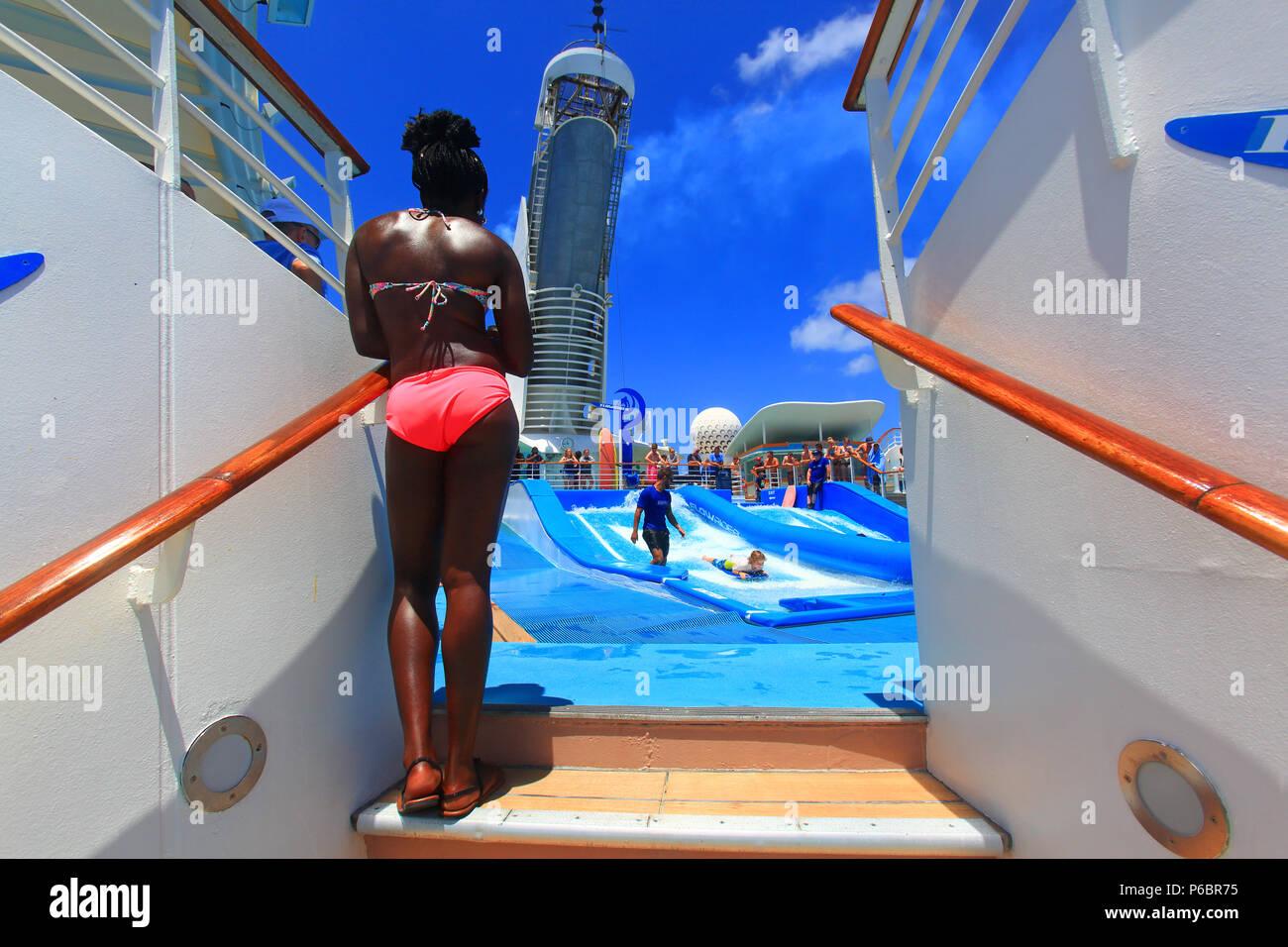 Surf. Mandatory credit: Freedom of the Seas. Royal Caribbean - Stock Image