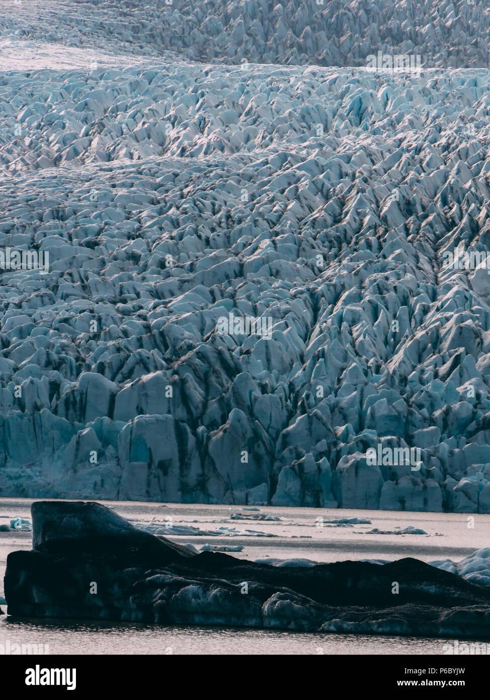 glacier lagoon in iceland. jokulsarlon lagoon beautfiul shaped icebergs lake - Stock Image