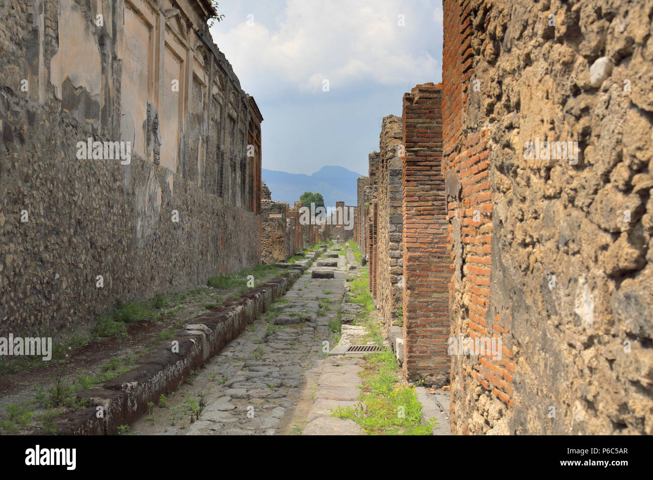 the recovered ruins of Pompeii after the eruption of vesuvius in AD 79 - Stock Image
