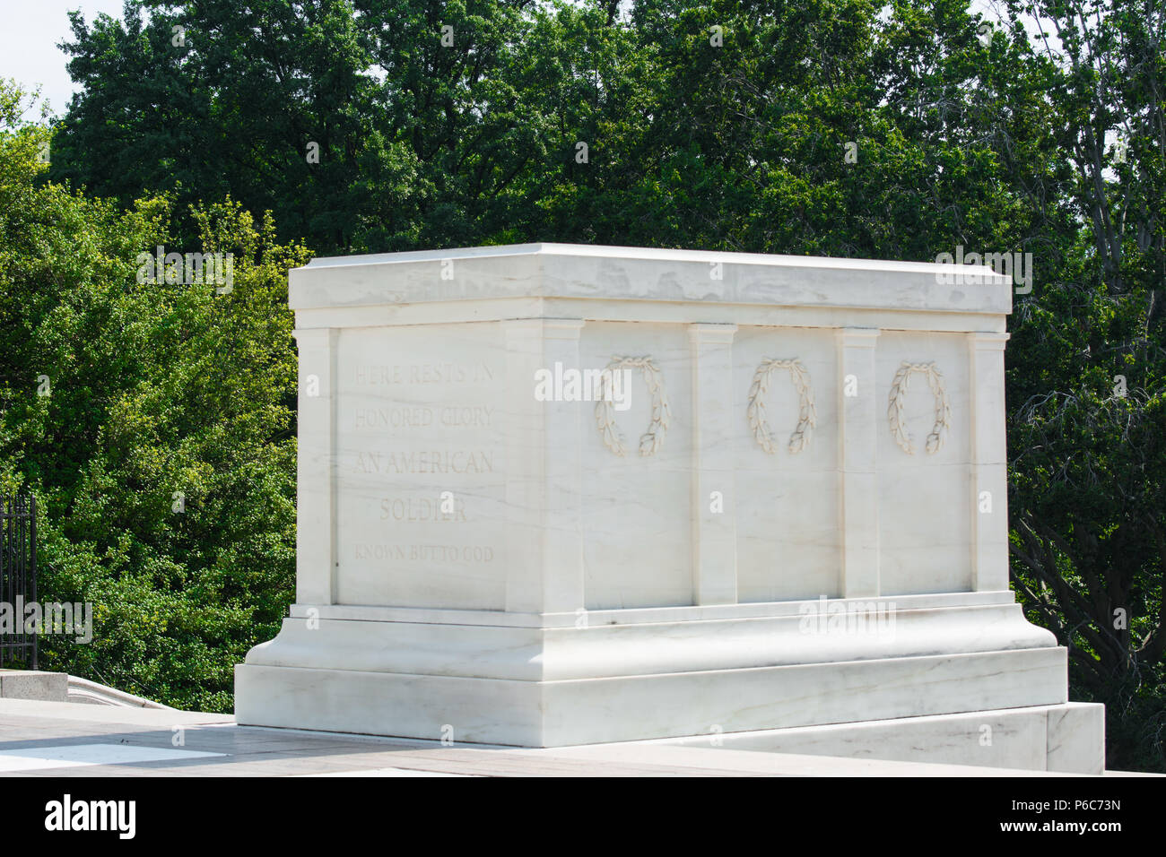 Tomb of the Unknown Soldier at Arlington National Cemetery, Arlington, Virginia, USA - Stock Image