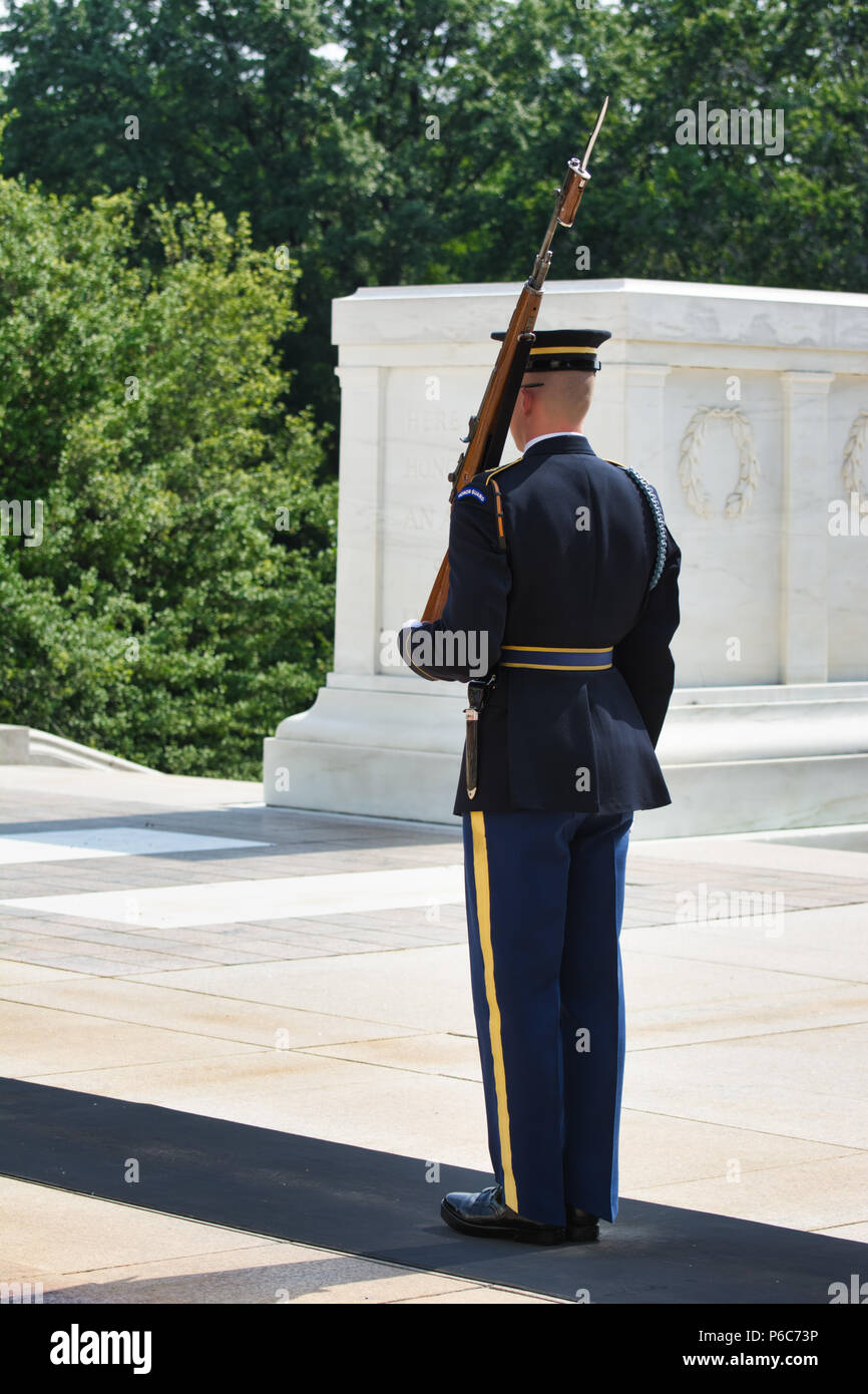 Changing of the Guard ceremony at Arlington National Cemetery, Tomb of the Unknown Soldier, Virginia, USA - Stock Image