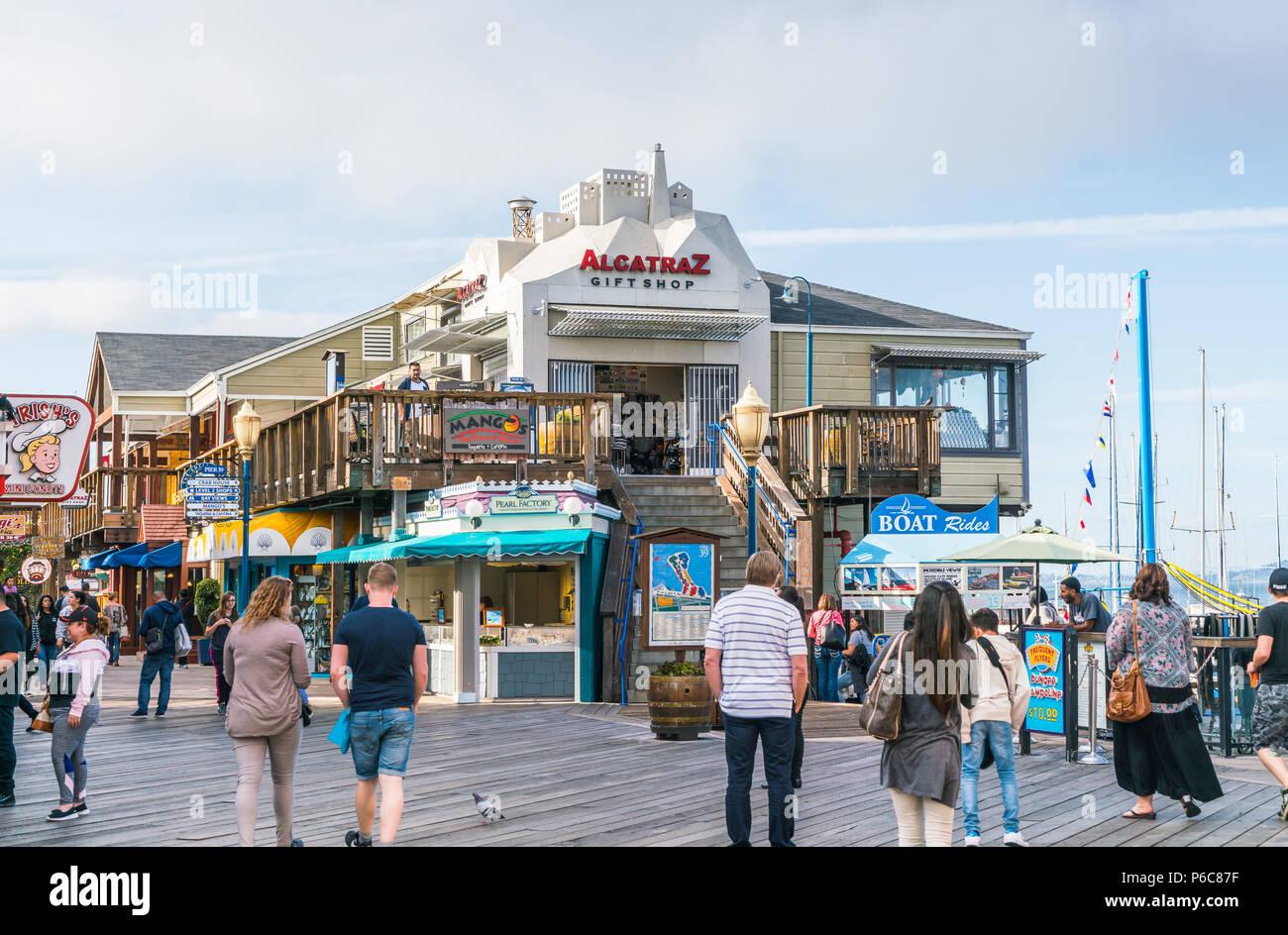 san francisco,california,usa,2016/04/20:  Pier 39 on sunny day. - Stock Image