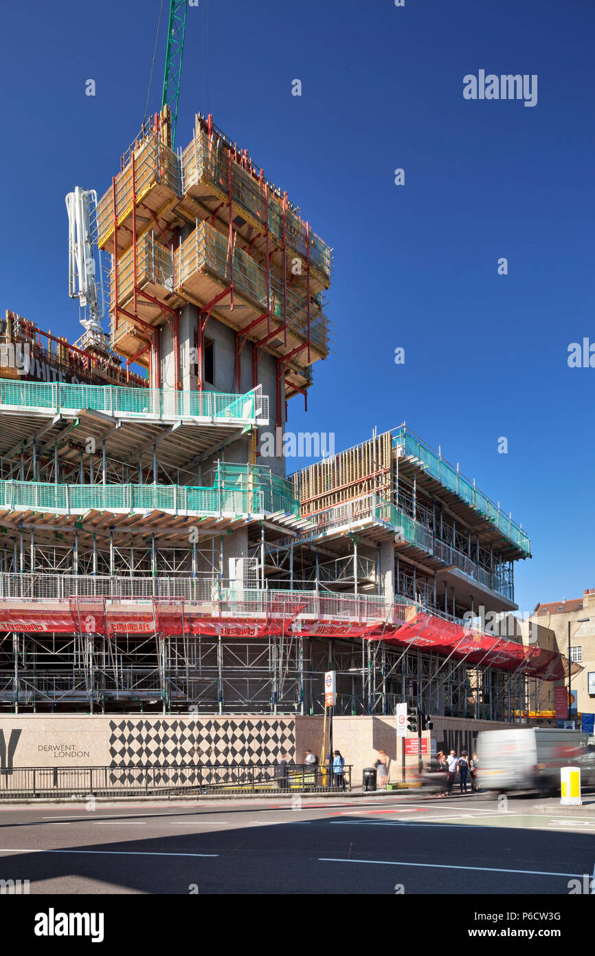 White Collar Factory under construction. Architect: Allford Hall Monaghan Morris - Stock Image