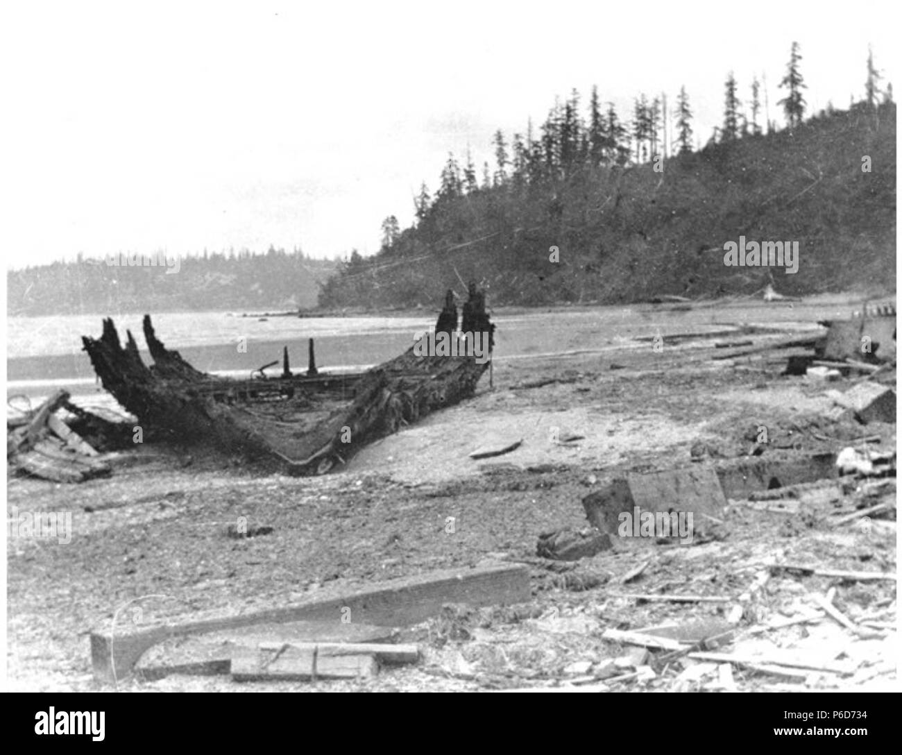 English: Remains of a shipwreck on a beach near Seattle