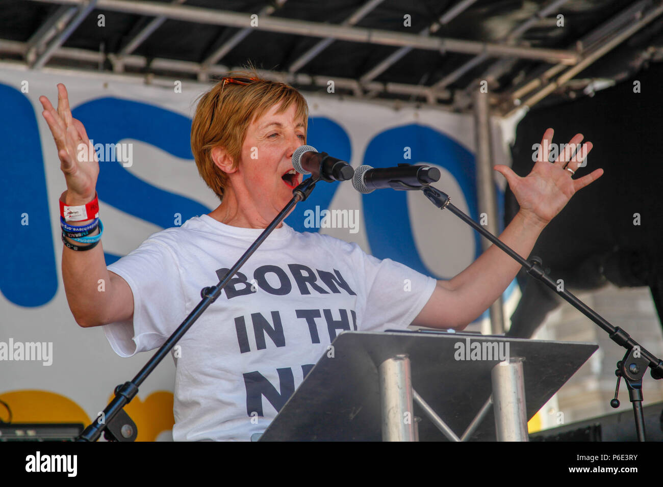 London, UK, 30 June 2018. Actress Julie Hesmondhalgh at the NHS's 70th Birthday March Credit: Alex Cavendish/Alamy Live News - Stock Image