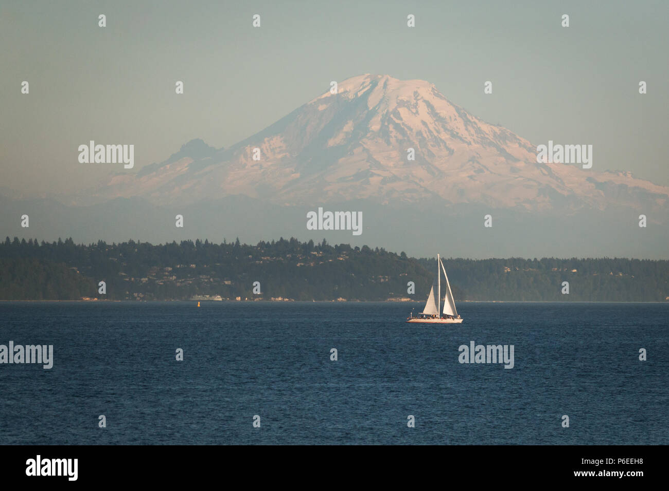 Serenely Bush Sails On Across Sea Of >> Serenely Stock Photos Serenely Stock Images Alamy