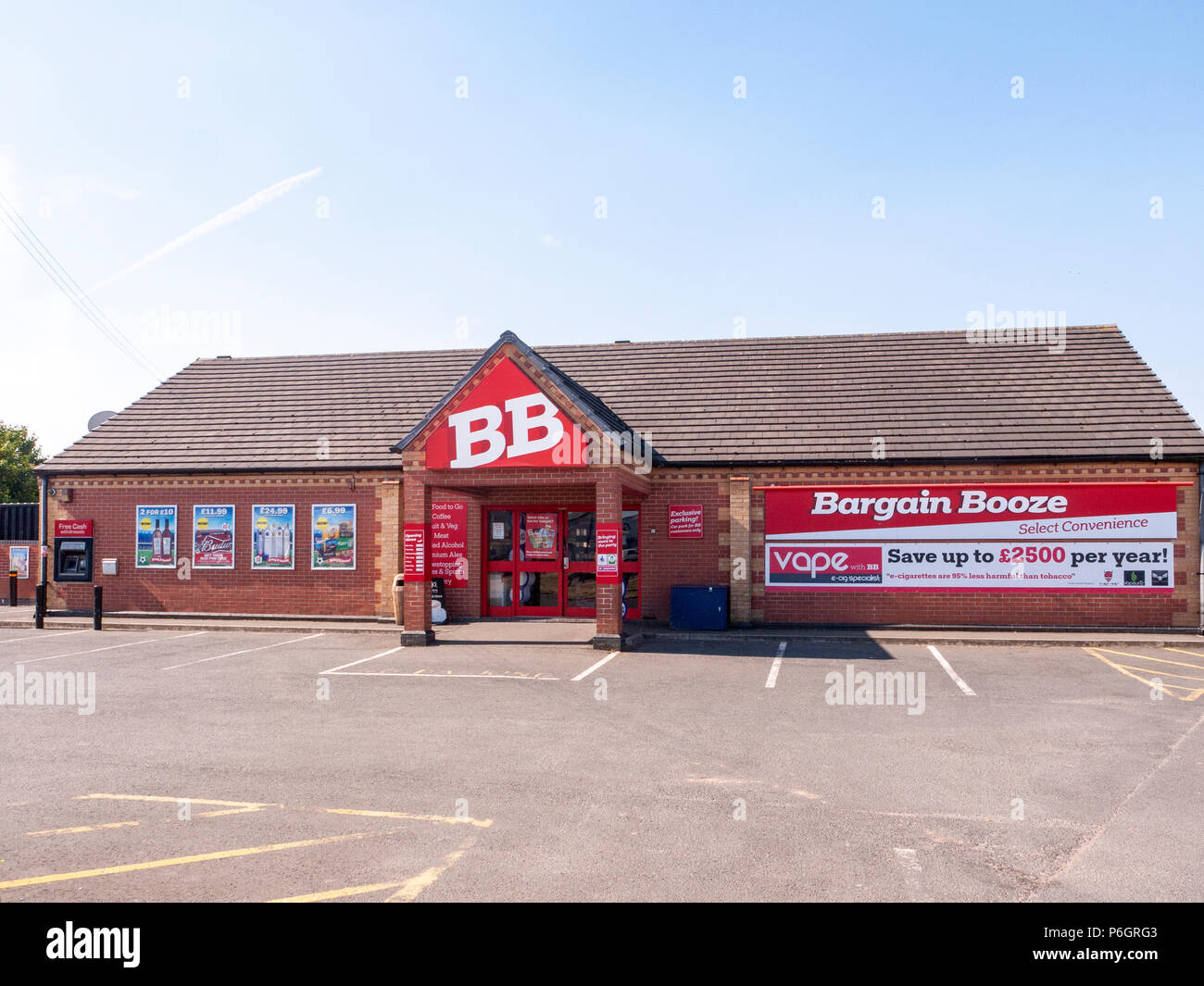 Bargain Booze off licence in Ettiley Heath near Sandbach Cheshire UK - Stock Image