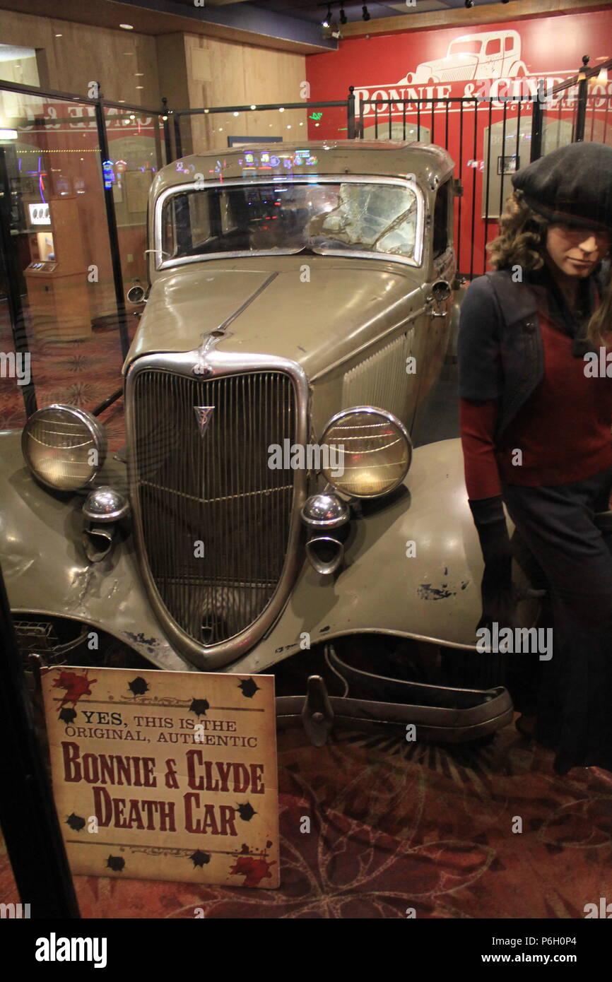 bonnie and clyde death car exhibit stock photo 210586156 alamy