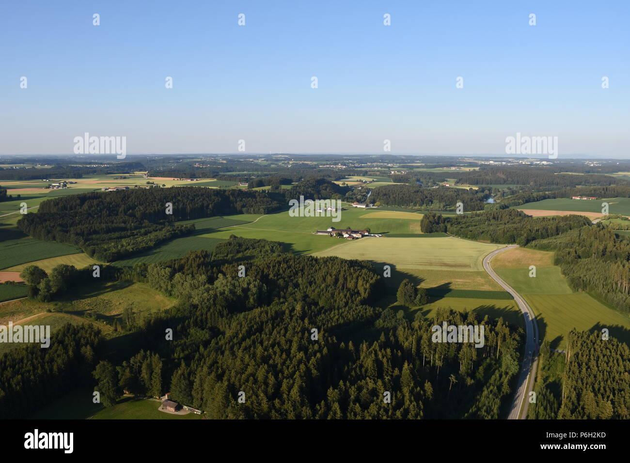 Fahrt mit dem Heißluftballon über den Chiemsee, Bayern, Deutschland - Stock Image