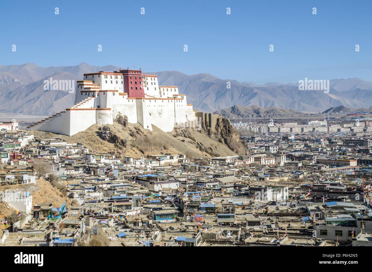 Shigatse Dzong (Samdruptse Dzong), Shigatse, Tibet - Stock Image